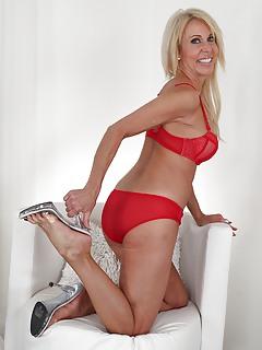 Moms High Heels Pics